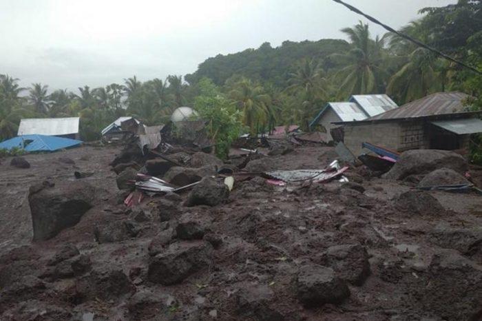 Aludes dejan 41 muertos en Indonesia