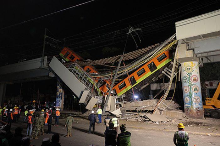 Impresionante desplome de un tramo del Metro de Ciudad de México
